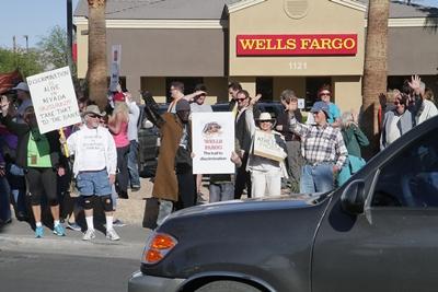 wells_fargo_protest02